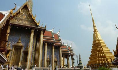Lśniąca i oszałamiająca Wat Phra Kaew – Świątynia Szmaragdowego Buddy.