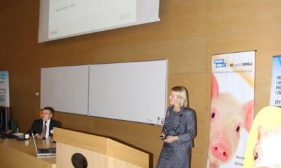 Dr. Kathrin Lillie-Jaschinski z Niemiec przedstawiła wyniki terenowego zastosowania jednokrotnej szczepionki przeciw chorobie obrzękowej.